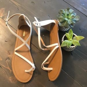 NWT Express sandals 🖤🖤🖤